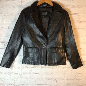 TRYST BROWN SINGLE BUTTON MED FAUX LEATHER JACKET